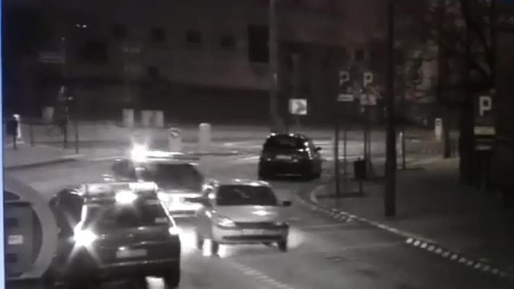 Rajd 14-latków po centrum Poznania. Ukradli auto babci [WIDEO]